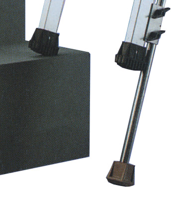 location pieds lat raux r glables sur bordeaux genri s. Black Bedroom Furniture Sets. Home Design Ideas