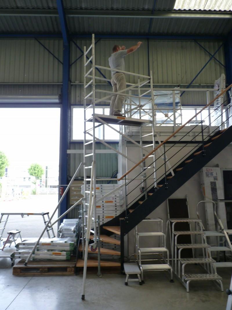 Sp cial escaliers et passages troits - Location echafaudage escalier ...